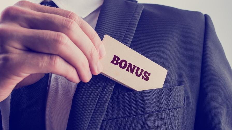 Wird eine Erfolgsprämie freiwillig jährlich gewährt, ist diese Prämie eindeutig als Sonderzahlung zu werten. (Bild: © iStock)