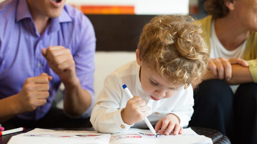 Für Geburten nach dem 31. 12. 2001 und vor dem 1. 1. 2010 kann bis zum Ablauf des siebten Kalenderjahres, das dem Jahr der Geburt des Kindes folgt die Rückzahlung schlagend werden. (Bild: © iStock)